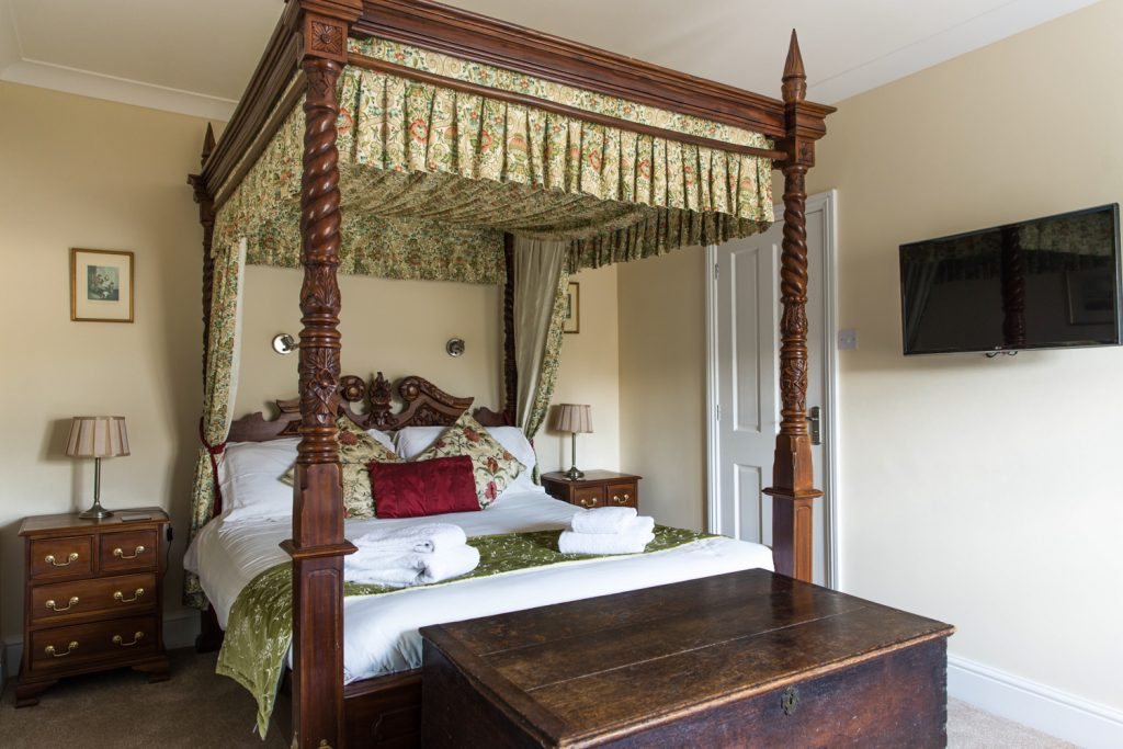 Four Poster Room