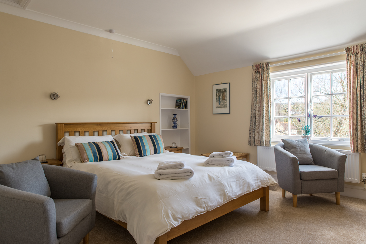 King size Bedroom The Rooms Queenswood
